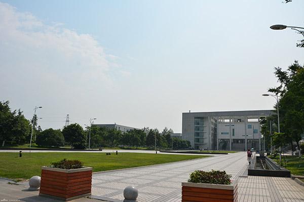 四川现代职业学院校园风光1