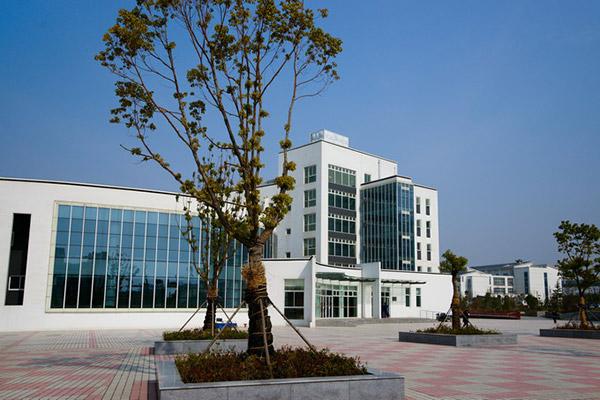 南京旅游职业学院校园风光1