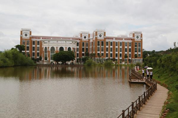 赣州师范高等专科学校4