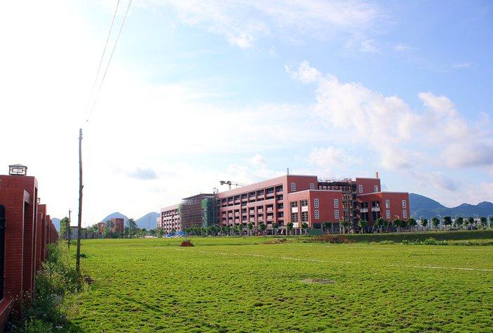 广西蓝天航空职业学院4